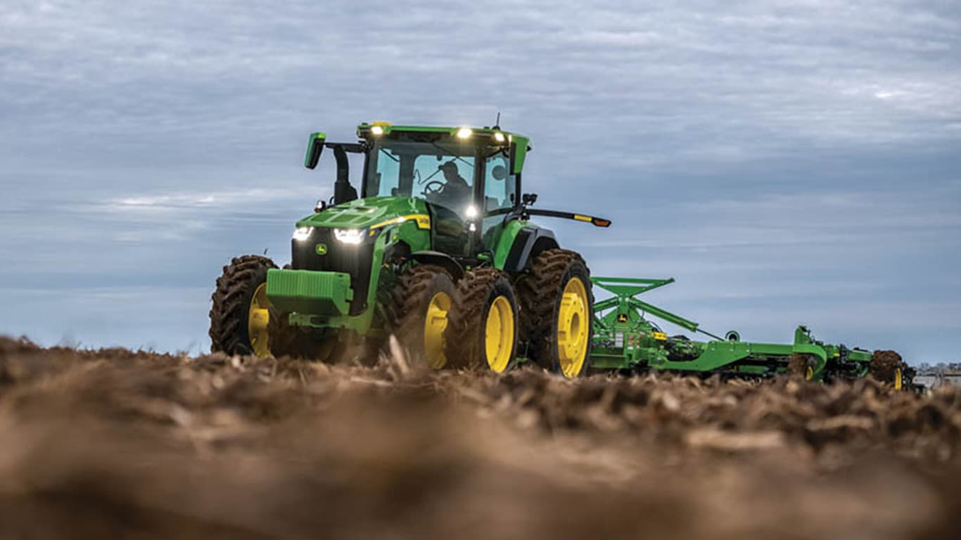 John Deere 8R: The Smartest Tractor John Deere has Built to Date!